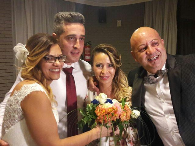 La boda de Miguel y Mayka en Santa Coloma De Gramenet, Barcelona 6