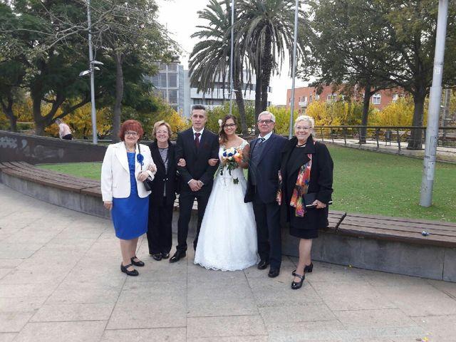La boda de Miguel y Mayka en Santa Coloma De Gramenet, Barcelona 15