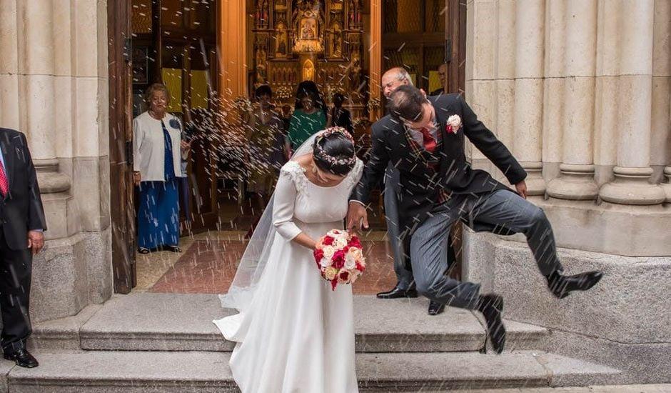 La boda de Antonio y Rebeca en Madrid, Madrid