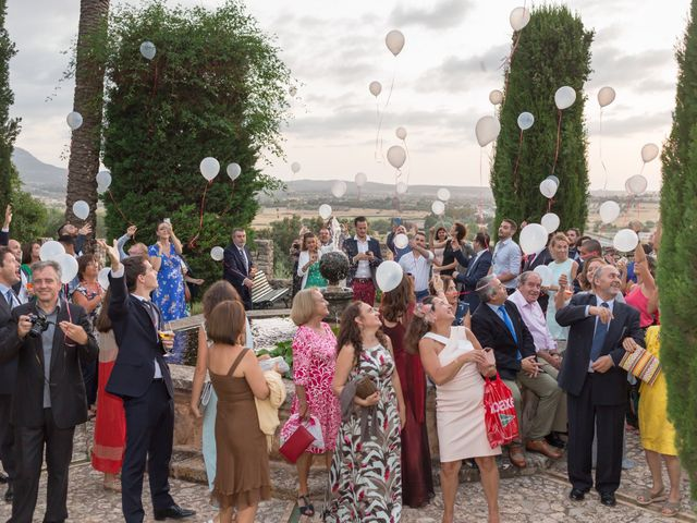 La boda de Guillaume y Bea en Montuïri, Islas Baleares 38