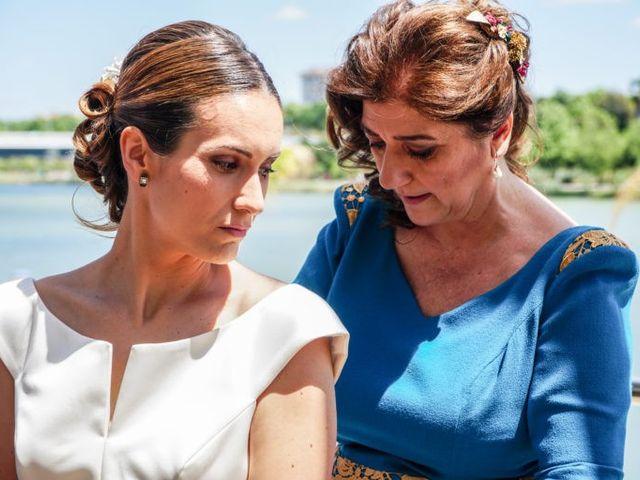 La boda de Santiago y Paloma en Sevilla, Sevilla 35