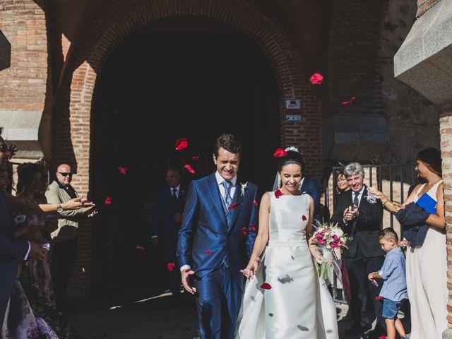 La boda de Isaac y Tamara en El Vellon, Madrid 15