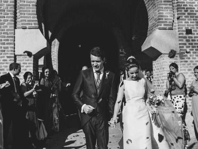 La boda de Isaac y Tamara en El Vellon, Madrid 16