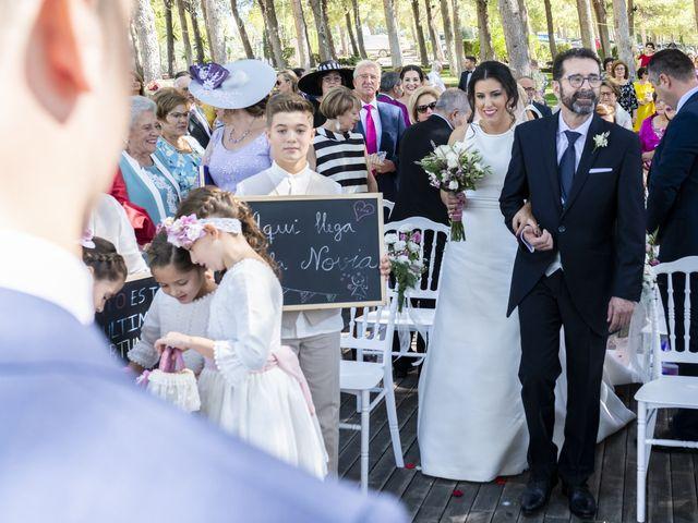 La boda de Ángel y Bárbara en Jaén, Jaén 23