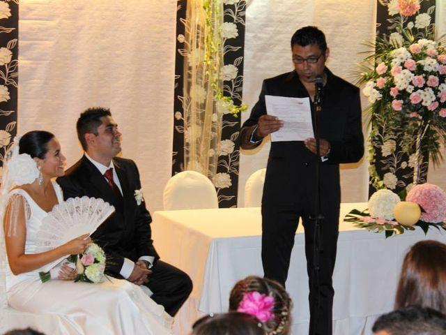 La boda de Toro  y Marié en Grao de Castellón, Valencia 18