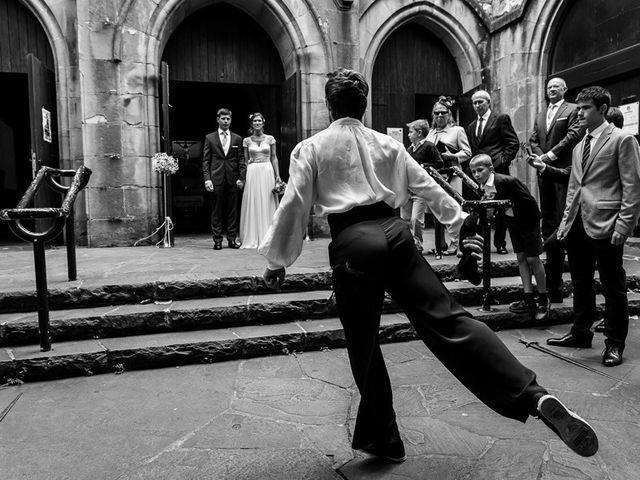 La boda de Álvaro y Idoia en Donostia-San Sebastián, Guipúzcoa 11