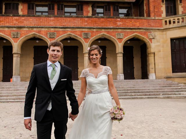 La boda de Álvaro y Idoia en Donostia-San Sebastián, Guipúzcoa 17