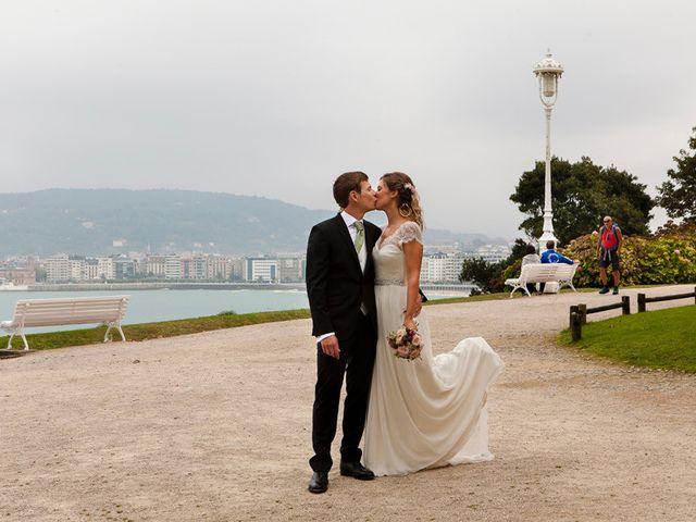 La boda de Álvaro y Idoia en Donostia-San Sebastián, Guipúzcoa 19