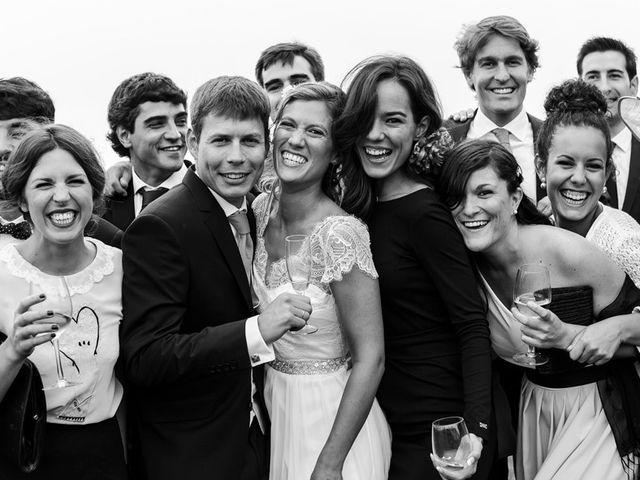 La boda de Álvaro y Idoia en Donostia-San Sebastián, Guipúzcoa 23
