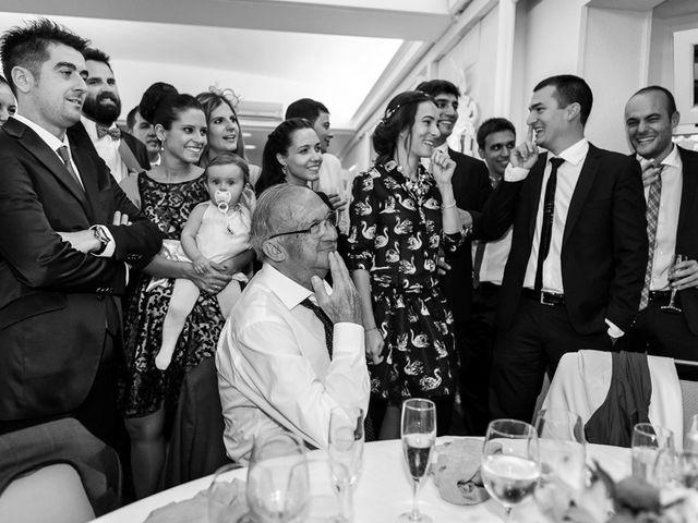 La boda de Álvaro y Idoia en Donostia-San Sebastián, Guipúzcoa 28