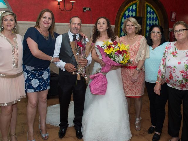 La boda de Encarna y Pachi en Albatera, Alicante 27