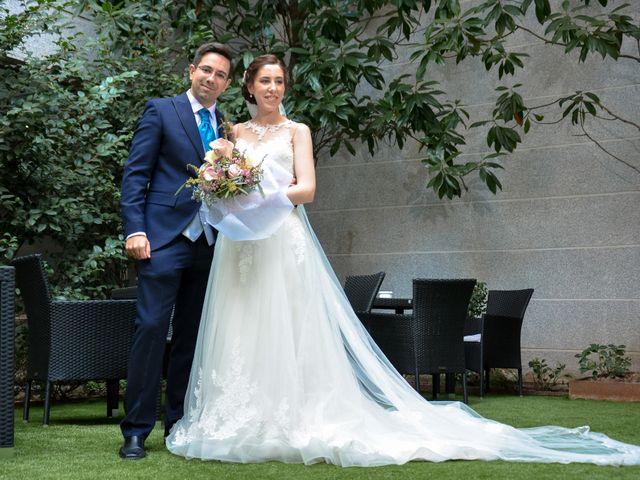 La boda de Carlos y Mari Carmen en Madrid, Madrid 2