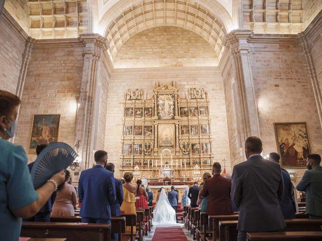 La boda de Almudena y Alejandro en Linares, Jaén 27