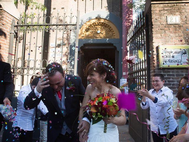 La boda de Javier y Loli en Madrid, Madrid 19