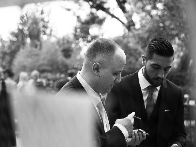 La boda de Javier y Loli en Madrid, Madrid 22