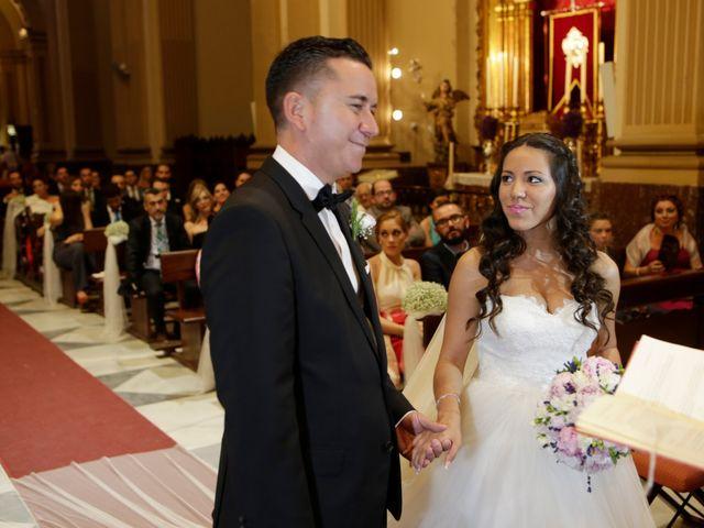 La boda de Miguel y Cristina en Dos Hermanas, Sevilla 16