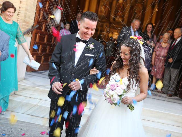 La boda de Miguel y Cristina en Dos Hermanas, Sevilla 21