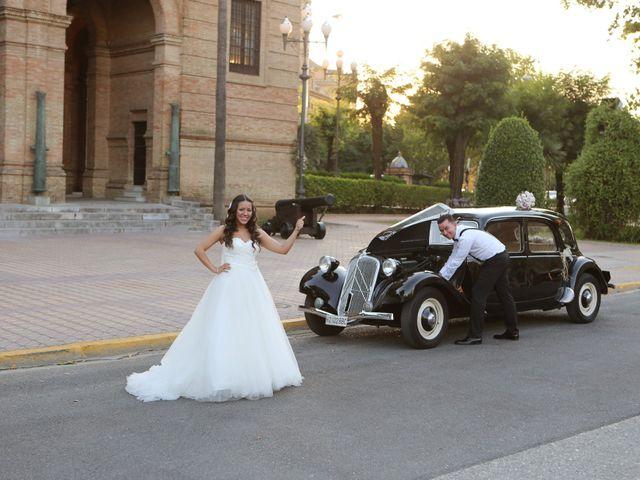 La boda de Miguel y Cristina en Dos Hermanas, Sevilla 22