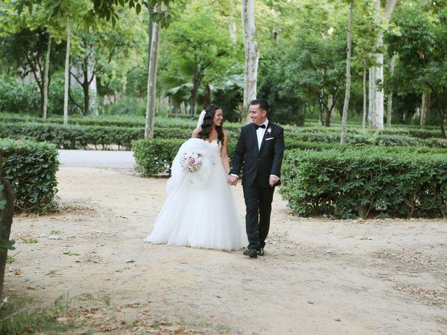 La boda de Miguel y Cristina en Dos Hermanas, Sevilla 24