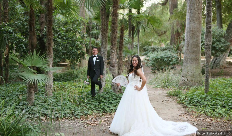 La boda de Miguel y Cristina en Dos Hermanas, Sevilla