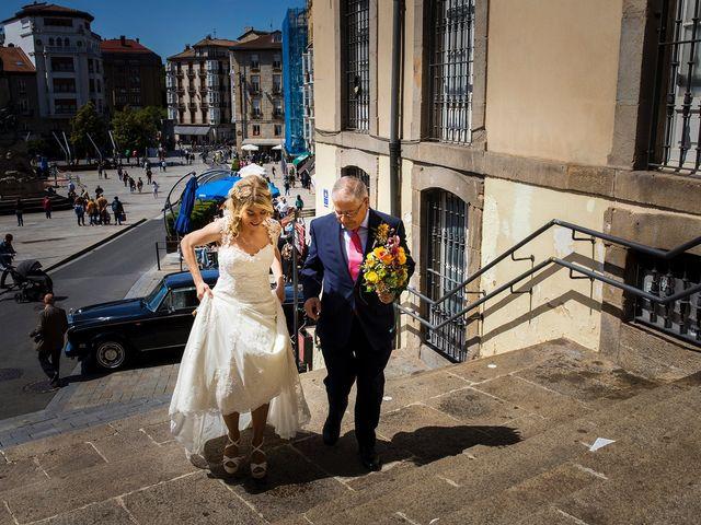 La boda de David y Idoia en Vitoria-gasteiz, Álava 22