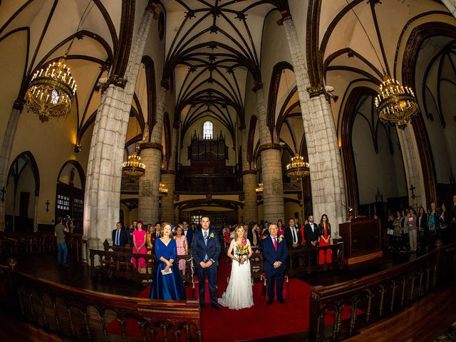 La boda de David y Idoia en Vitoria-gasteiz, Álava 29