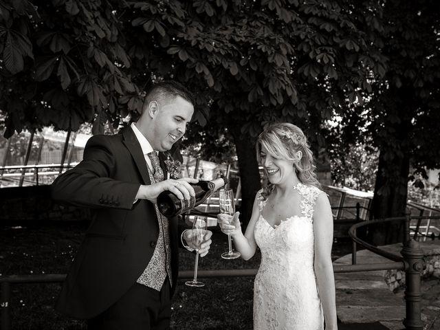 La boda de David y Idoia en Vitoria-gasteiz, Álava 47