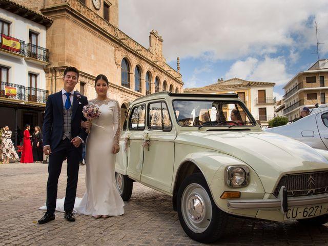 La boda de Josemi y Nerea en Casas De Los Pinos, Cuenca 19