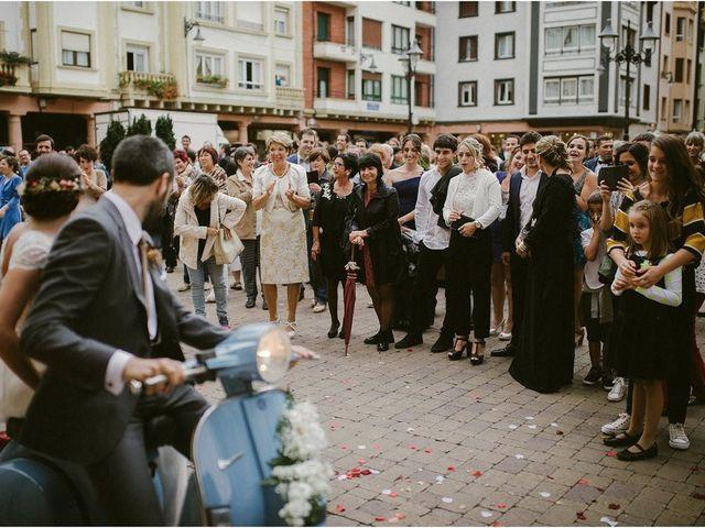 La boda de Ekhi y Nerea en Orio, Guipúzcoa 27
