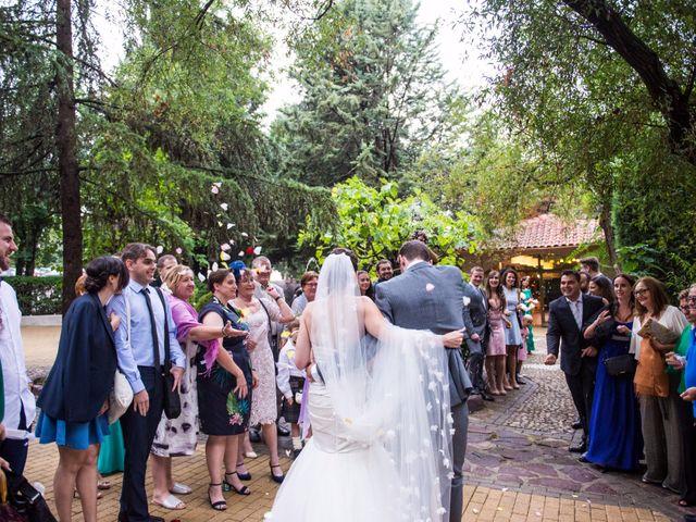 La boda de Asier y Briony en Alalpardo, Madrid 56