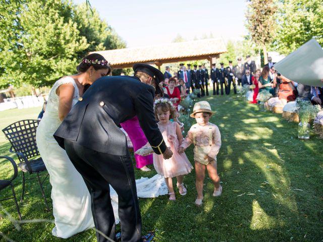 La boda de Alejandro y Ana en Hornillos De Eresma, Valladolid 14