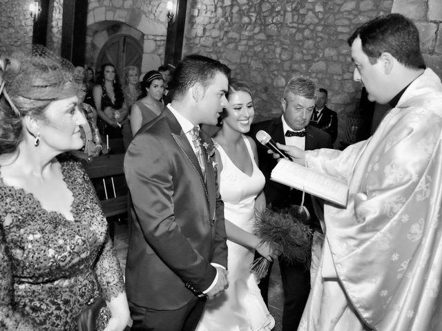La boda de Gonzalo y Noelia en Villacarriedo, Cantabria 16