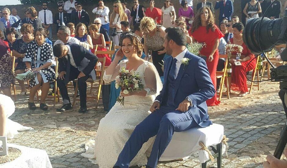 La boda de David y Luz María en Alconchel, Badajoz
