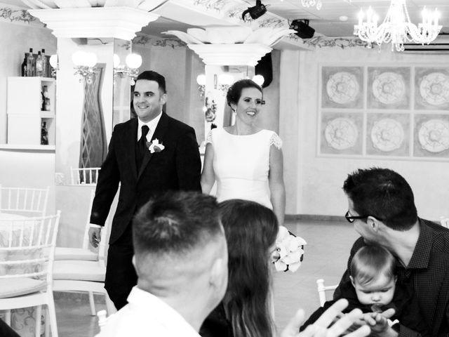 La boda de Manolo y Noelia en Alhaurin De La Torre, Málaga 26