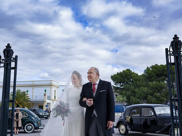 La boda de Miguel y Mª Amparo en Jerez De La Frontera, Cádiz 14