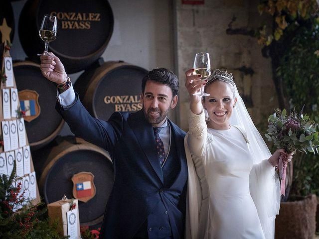 La boda de Miguel y Mª Amparo en Jerez De La Frontera, Cádiz 23