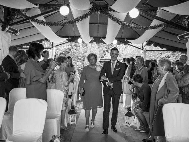 La boda de Arkaitz y Olatz en Loiu, Vizcaya 16