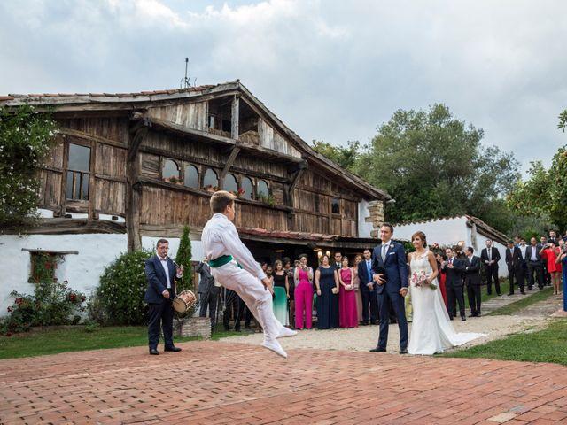 La boda de Arkaitz y Olatz en Loiu, Vizcaya 24
