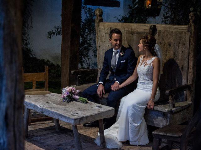 La boda de Arkaitz y Olatz en Loiu, Vizcaya 27