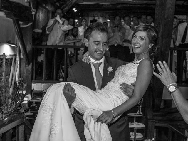 La boda de Arkaitz y Olatz en Loiu, Vizcaya 39