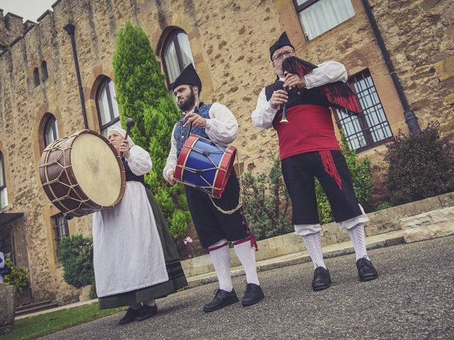 La boda de Diego y Arantxa en Oviedo, Asturias 17