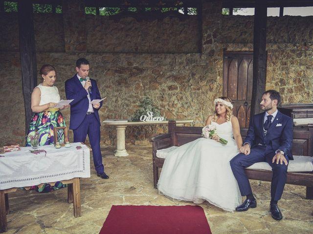 La boda de Diego y Arantxa en Oviedo, Asturias 26