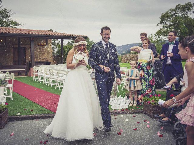 La boda de Diego y Arantxa en Oviedo, Asturias 31