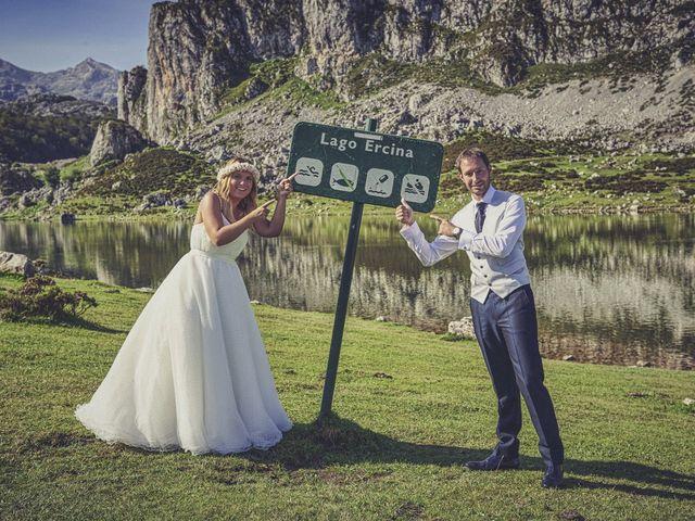 La boda de Diego y Arantxa en Oviedo, Asturias 50