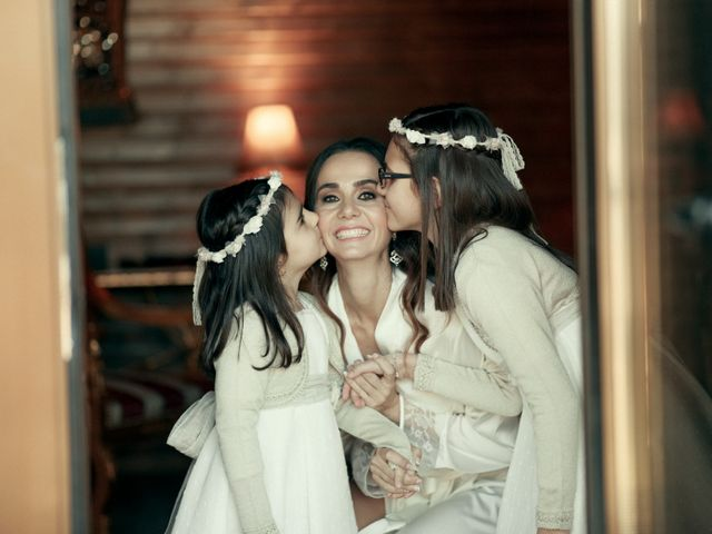 La boda de Ismael y Isabel en L' Ènova, Valencia 34