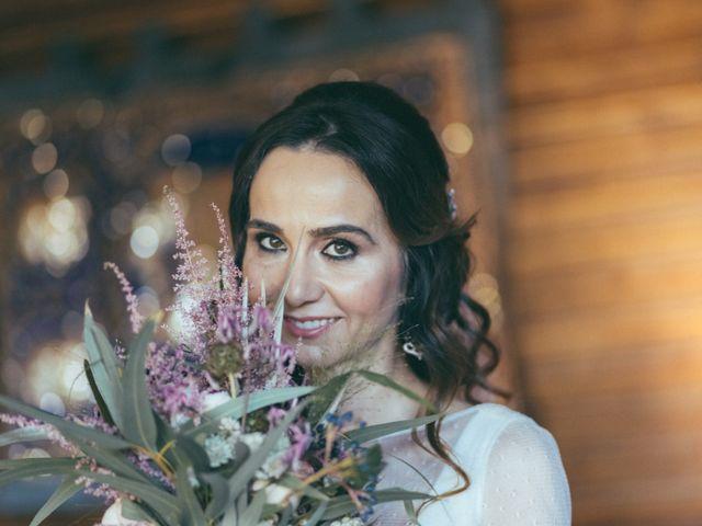 La boda de Ismael y Isabel en L' Ènova, Valencia 52