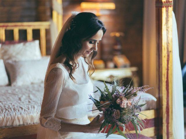 La boda de Ismael y Isabel en L' Ènova, Valencia 54