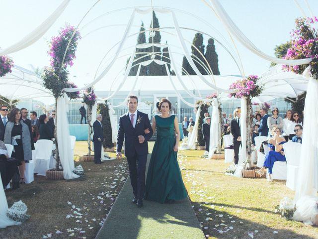 La boda de Ismael y Isabel en L' Ènova, Valencia 73
