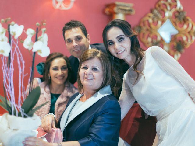 La boda de Ismael y Isabel en L' Ènova, Valencia 148