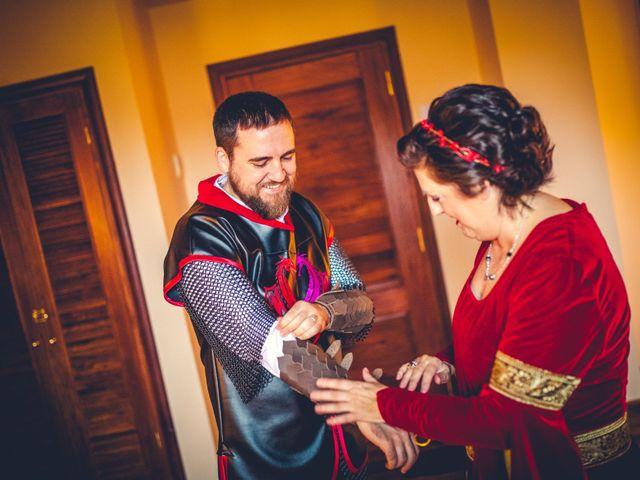 La boda de Carlos y María en Torrecaballeros, Segovia 14